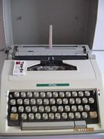Masina de scris mecanica - fara diacritice