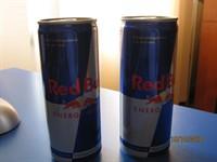 13 cutii Red Bull- energy drink