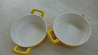 5468. Doua craticioare ceramica (o toarta lipsa la una)