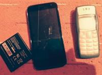 2 telefoane defecte