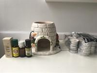 Set recipient uleiuri aromatice + 4 uleiuri + lumanari pastila