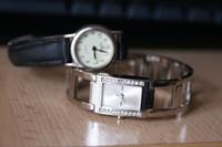 2 ceasuri de mana