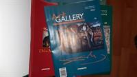 In jur de 40 de reviste Art Gallery